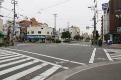 4.岸里東1丁目交差点を右へ